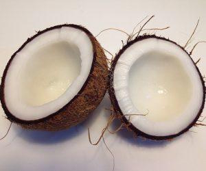 Soin hydratant au lait coco pour retrouver de beaux cheveux en pleine santé