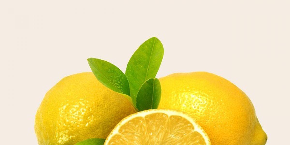 Sauna facial fait maison au citron pour les peaux grasses
