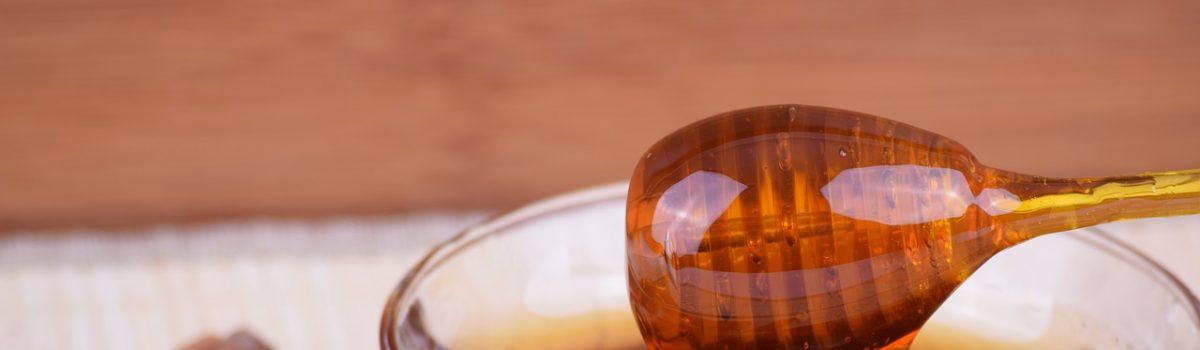 Cosmétique au miel pour les soins de la peau, des cheveux ..