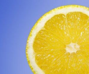 Gommage pour le visage au sucre et au citron (Vitamine C)