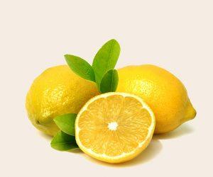 Sauna facial maison au citron pour les peaux grasses